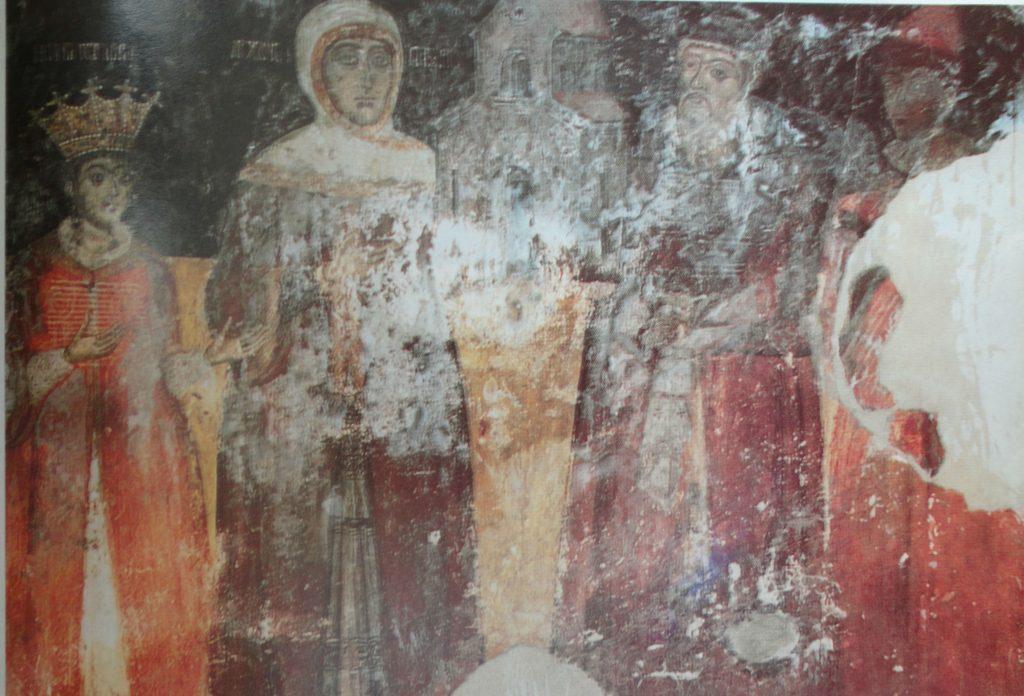 Nica, originar din satul Frastani, azi situat în Grecia, aproape de graniţa cu Albania. Şi-a început cariera în Ţara Românească în timpul domniei lui Mihai Viteazul (1593-1601). A ajuns mare logofăt al ţării. În tabloul votiv de mai sus, care provine din biserica mănăstirii zidite de el în satul natal (vezi mai jos), este reprezentat alături de soţia sa Păuna, de fiul Preda şi de fiica Marica. Descendenţii lui nu au părăsit niciodată Ţara Românească. (sursa imaginii: D. KAMAROULIAS, Τα μοναστήρια της Ηπείρου, I, Atena 1996, p. 227)