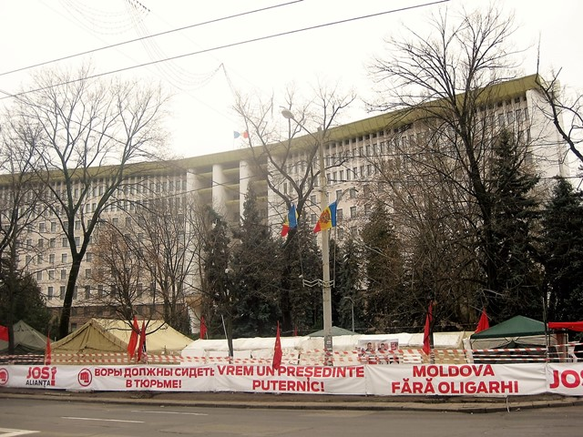 Note pe marginea hegemoniei americane, democrației occidentale și etapei post-oligarhice în Moldova