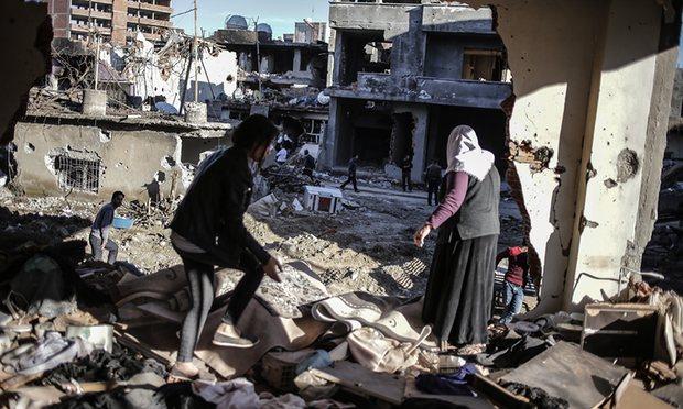 """Un apel pentru pace şi democraţie în Turcia: """"Nu vom fi complicii acestei crime!"""""""