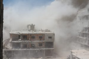 Bombardament al-regimului în Daraya. Fotografie cedată de Consiliul Local din Daraya.