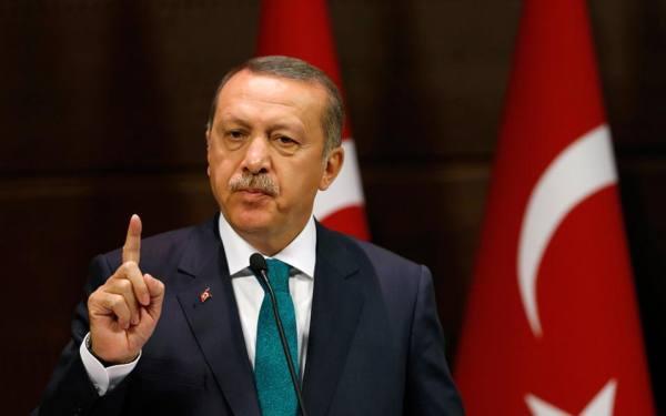 """Democrație """"pură"""" împotriva extremei drepte? Momentele de tip """"Clinton"""" și """"Trump"""" ale lui Erdoğan"""