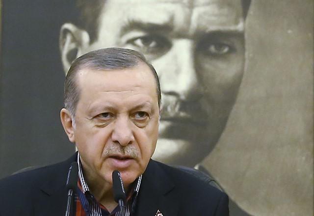 """Controversatul referendum din Turcia: vor spune turcii """"DA"""" unui sistem prezidențial?"""